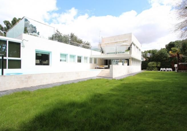 Fachada House Fuentelarreina