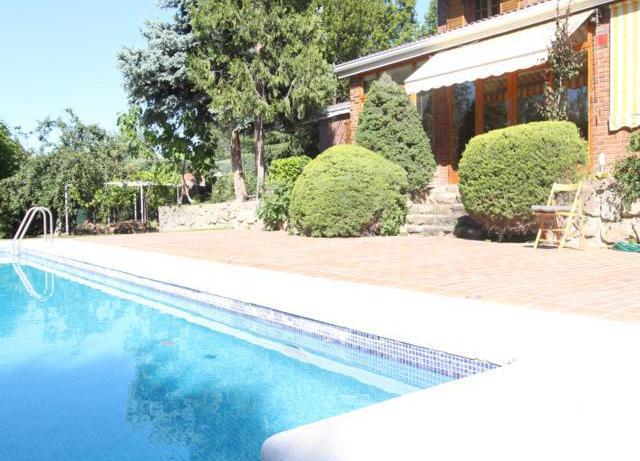 Fachada piscina Chalet La Moraleja
