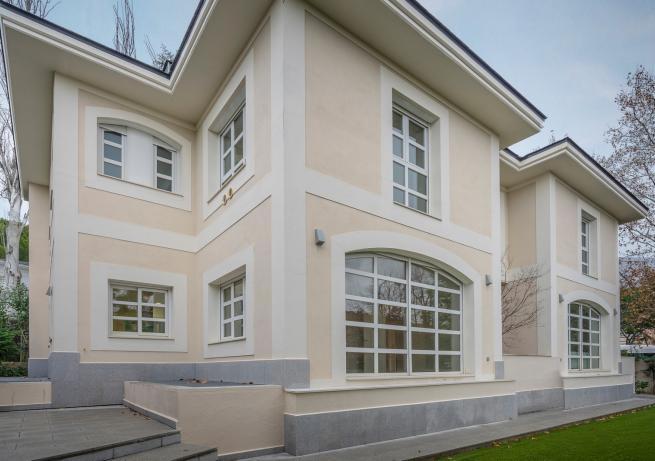 53 House Mirasierra