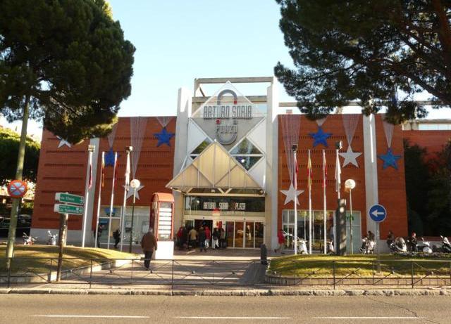Centro Comercial 1_640x480 Chalet Conde de Orgaz