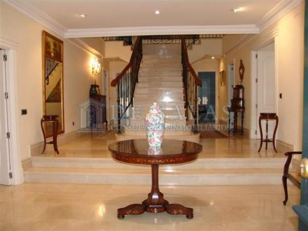 1181 - Hall Maison Puerta de Hierro