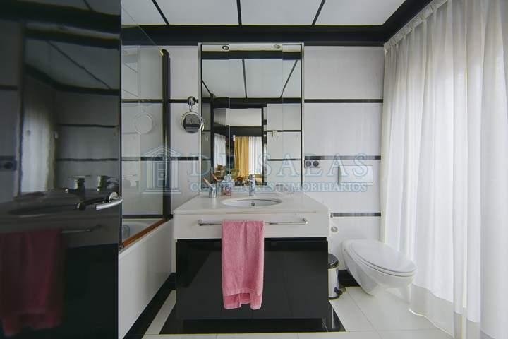 26 House Mirasierra