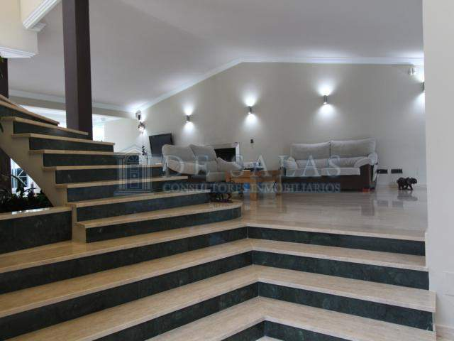 1244 - Escalera Chalet La Moraleja