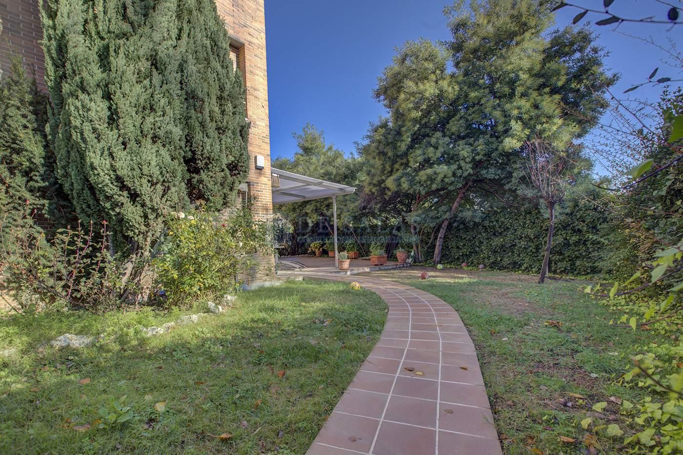 Jardín-IMG_4298_299_300 copia Flat El Encinar de los Reyes