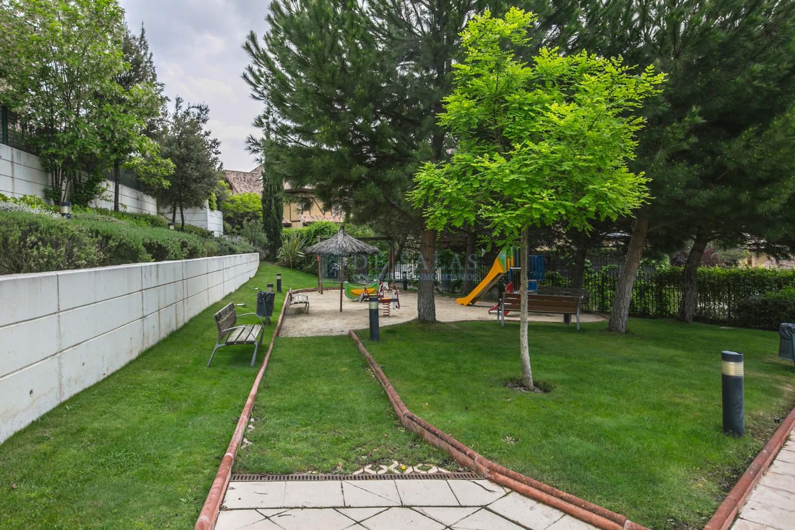 Urbanización-35 Flat El Encinar de los Reyes