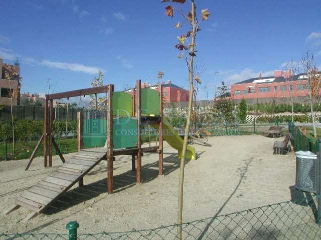 Zona Infantil Flat El Encinar de los Reyes