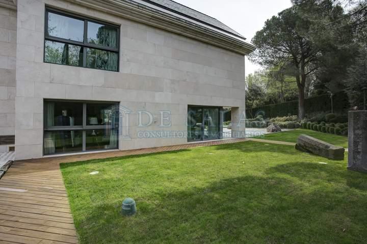 106 House La Moraleja