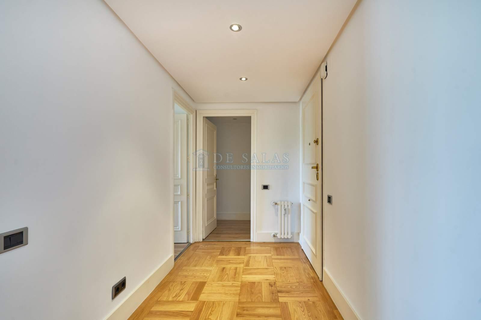 Hall-0028