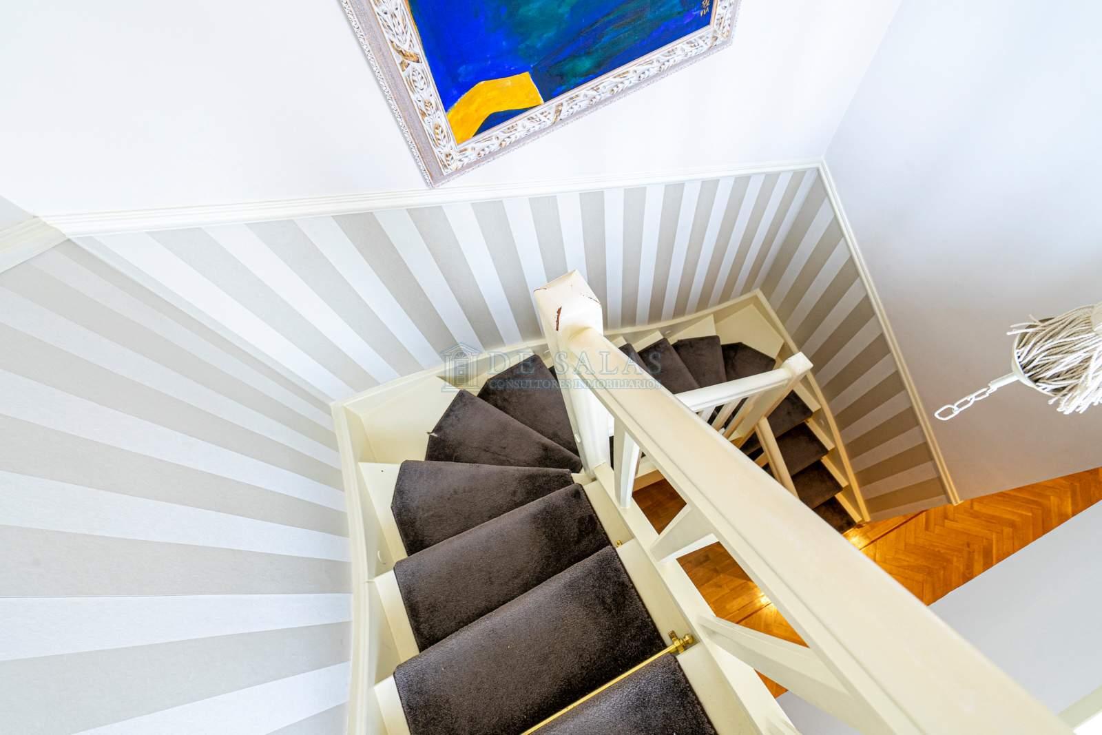 Escalera-009 Piso El Encinar de los Reyes