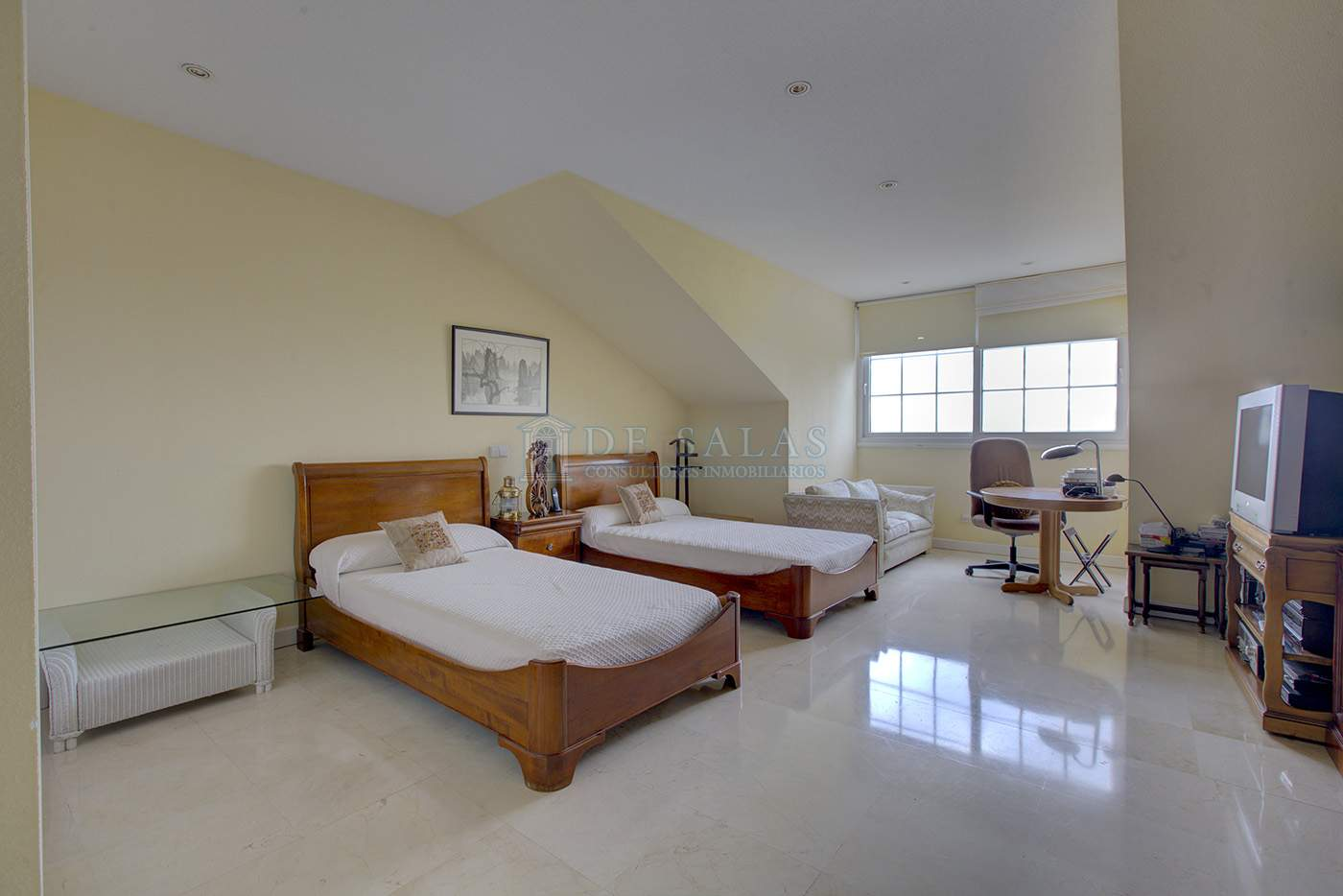 Dormitorio-IMG_7420_1_2 copia Chalet La Moraleja