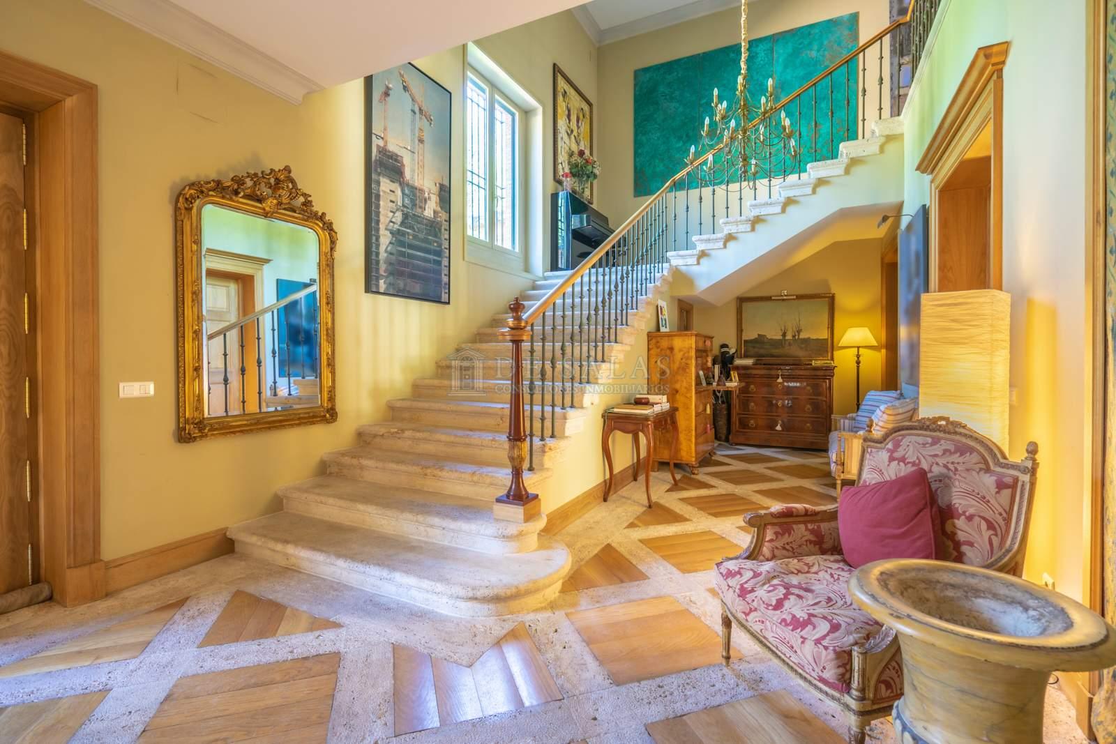 Hall-10 House La Moraleja