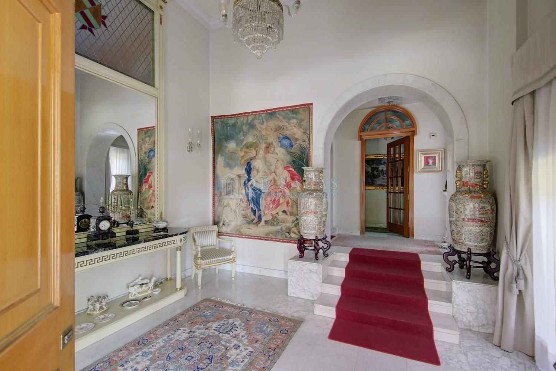 Hall-13 Chalet La Moraleja
