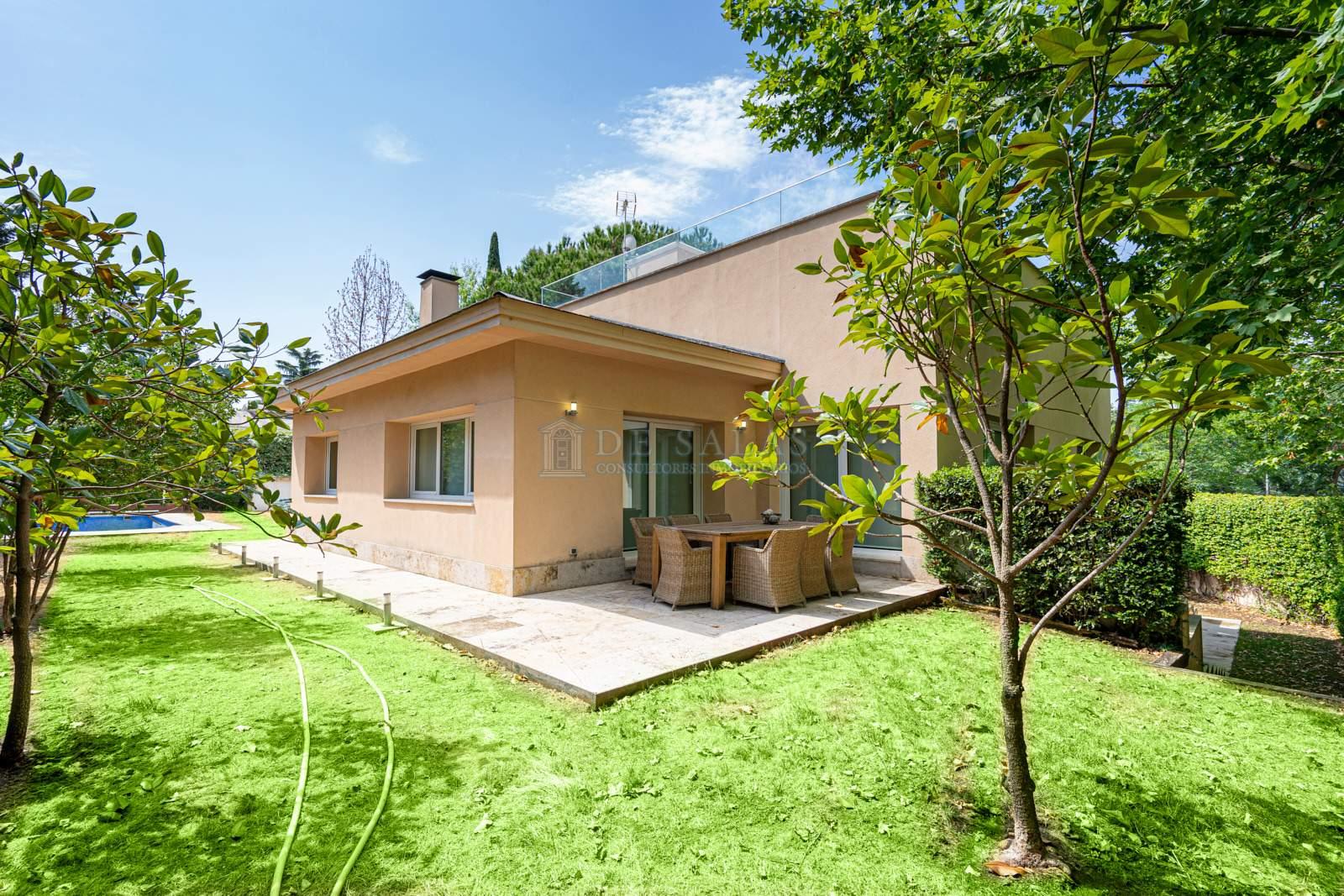 35 House Mirasierra
