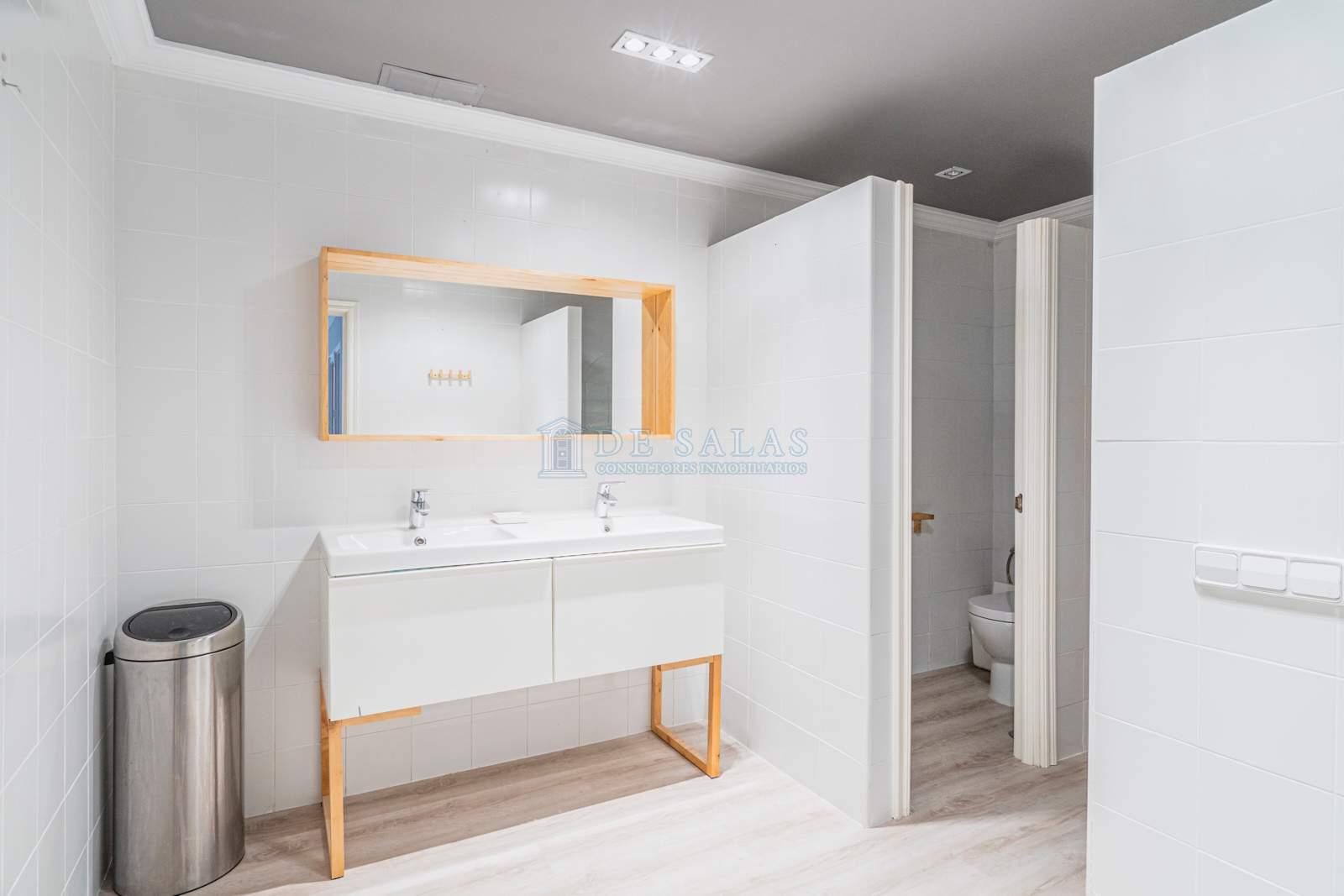 Baño de servicio-37 Maison La Moraleja