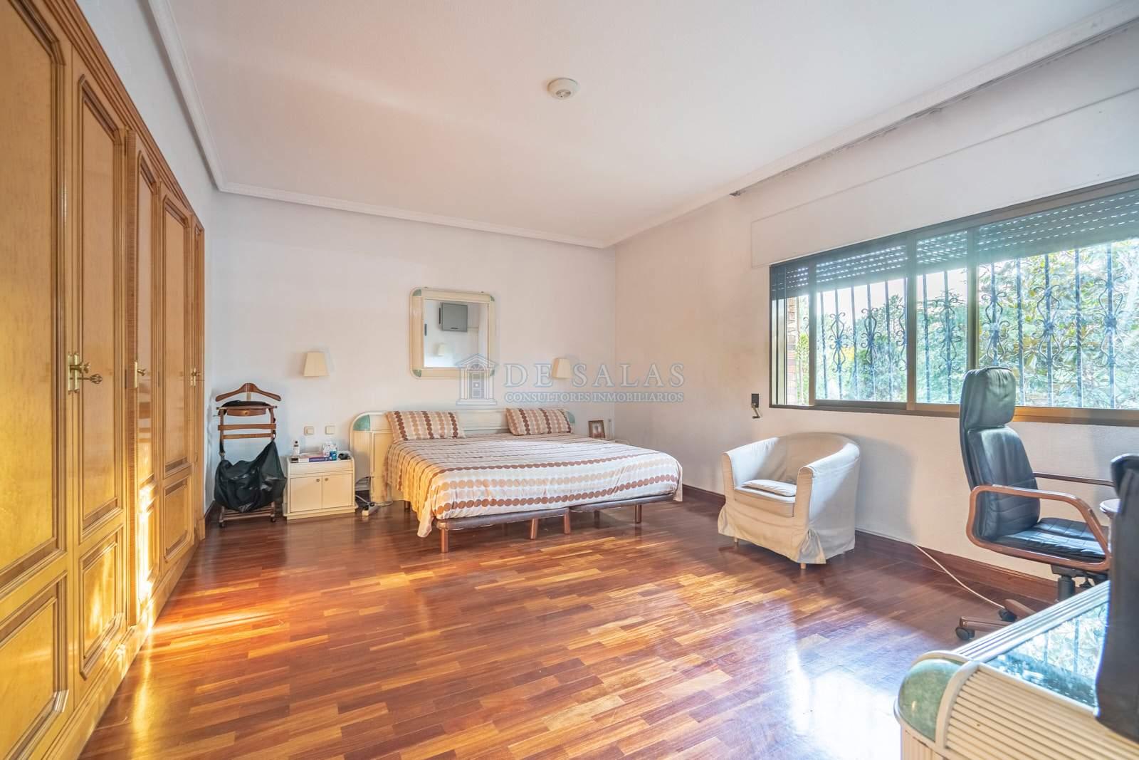 23-Dormitorio Chalet La Moraleja