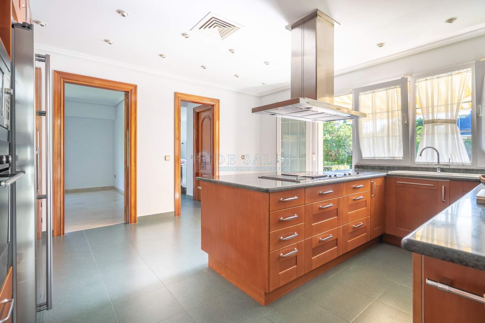 Cocina-11 Maison La Moraleja