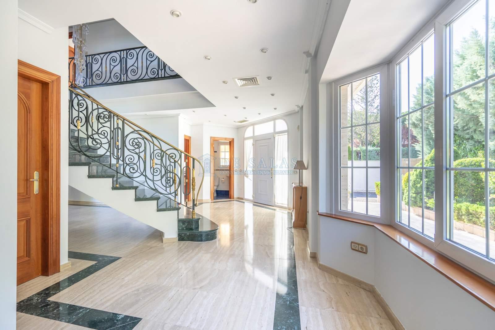 Hall-04 Maison La Moraleja