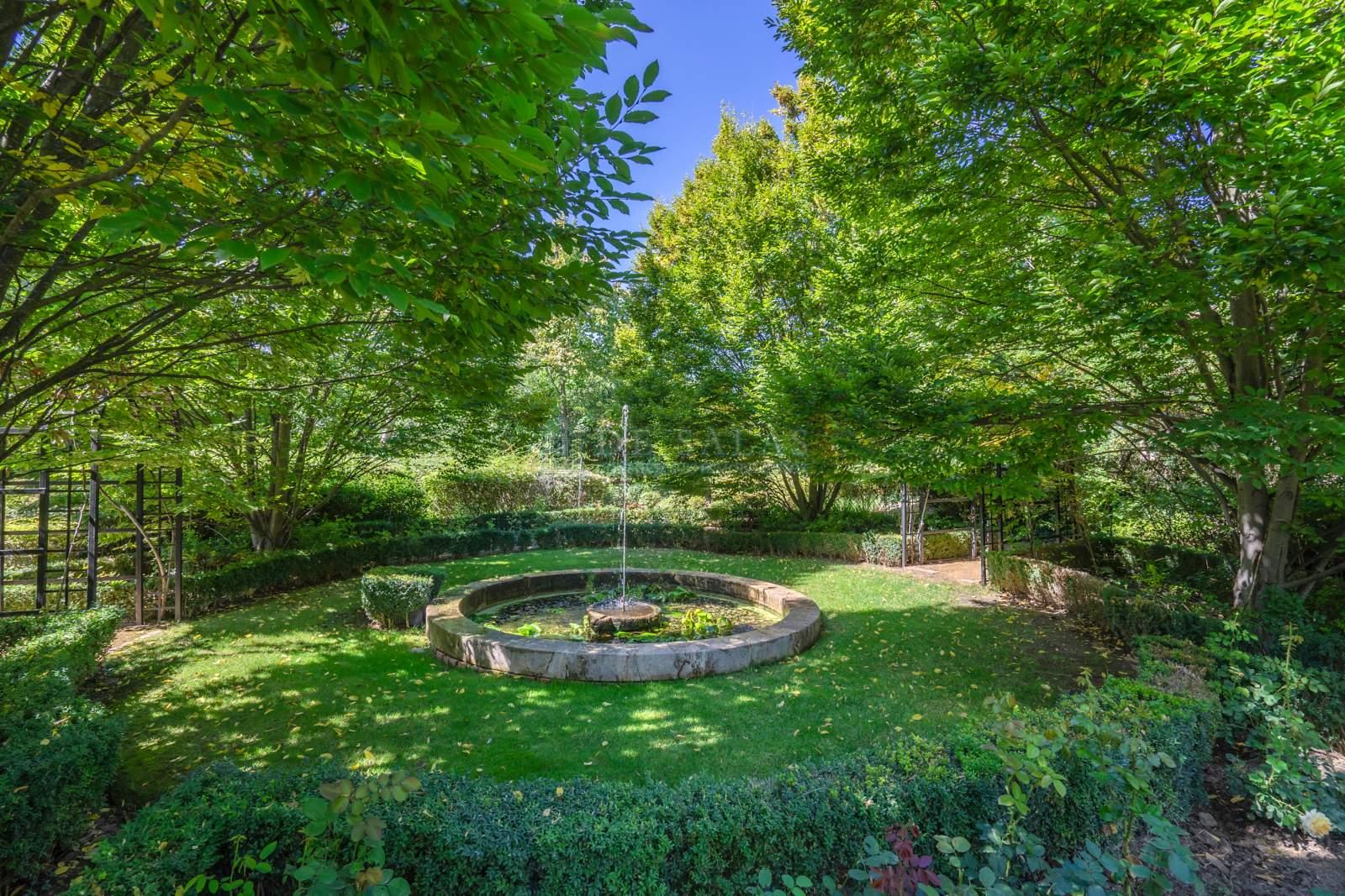 Jardín-34 Chalet La Moraleja