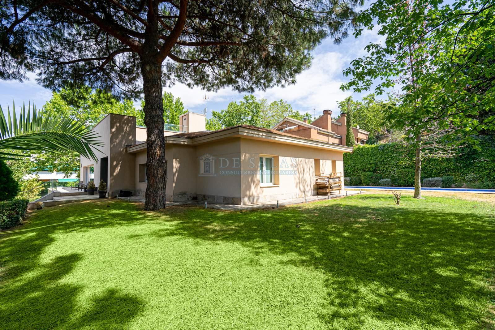 31 House Mirasierra