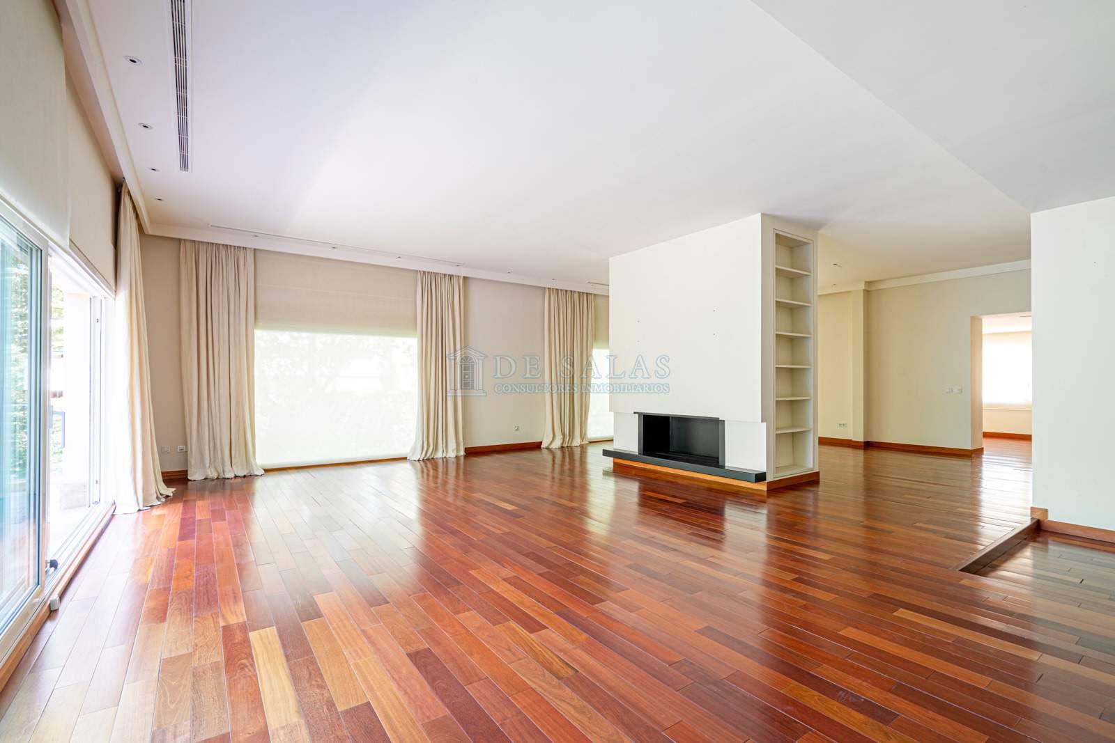 01 House Mirasierra